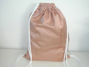 Neu - Blogger Turnbeutel  Gym Bag Nude Snake Satin Optik rosé Impressionen°