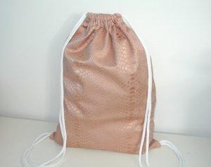 Neu - Blogger Turnbeutel  Gym Bag Nude Snake Satin Optik rosé Impressionen°