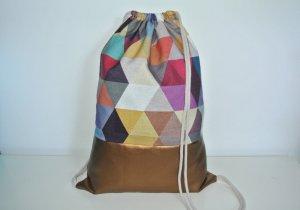 Neu - Blogger Turnbeutel Gym Bag Rucksack geometrisch bunt Kupfer Leder -