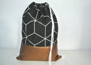 Neu - Blogger Turnbeutel Gym Bag Rucksack geometrisch schwarz Kupfer Metallic Leder -