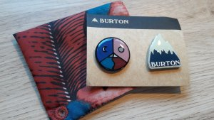 NEU Burton 2-er Set Buttons Pins