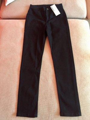 Neu: Calzedonia Skinny Jeans schwarz S