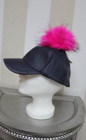 NEU Cap Mütze mit Fake Fell / Pelz Puschel ( Abnehmbar )