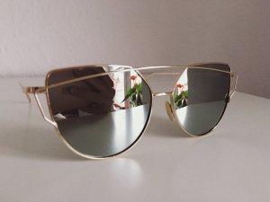 NEU • Cat Eye Sonnenbrille in Silber