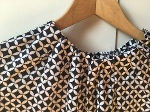 NEU: comma, Bluse Top schwarz weiß gemustert Gr. 38 - NEU und ungetragen
