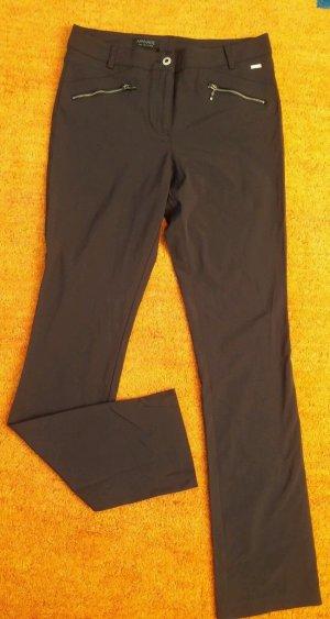 NEU Damen Hose Stretch Business leichte Hose Gr.40 in Braun v.APANAGE P.109,95€ Sehr hochwertig und aufwendig bearbeitete Elegante Edel Stoff Hose. Mit 4 Taschen, die vorderen 2 Taschen sind mit Reißverschluss zu schliessen. Leicht dehnbar. Sehr angenehm