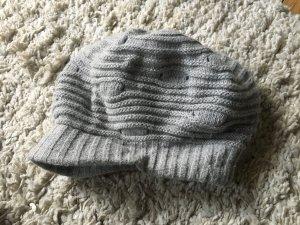 Cappello con visiera grigio-argento