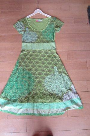 NEU: DESIGUAL - grasgrün mit schwarz gemustertes Kurzarm-Shirt-Kleid