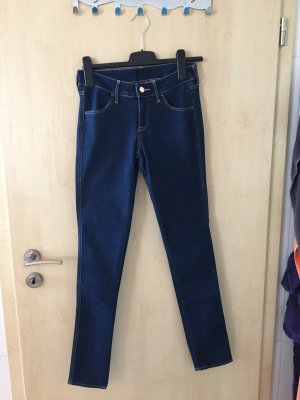 NEU! Dunkle Jeans