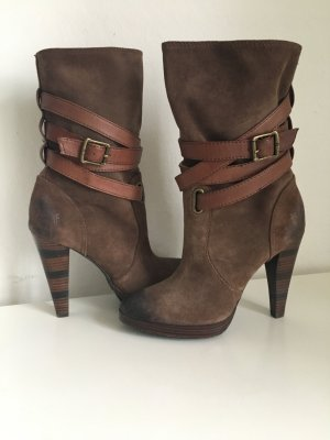 NEU Frye Boots Booties Lederstiefel Stiefeletten braun High Heels Leder Harlow Multistrap wildleder Straps 37 38