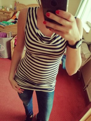 Lange top donkerblauw-wit