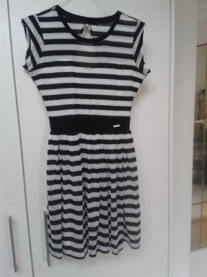 Neu Guess Kleid Bondi Gr. M 38 schwarz weiß gestreift NP 99,90 €