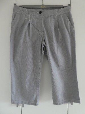 NEU – H&M - Damen 3/4-Hose, dunkelblau-weiß fein gestreift