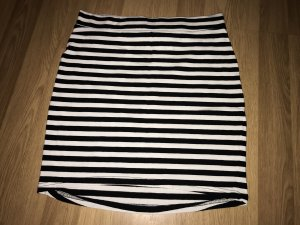 H&M Divided Falda de tubo negro-blanco