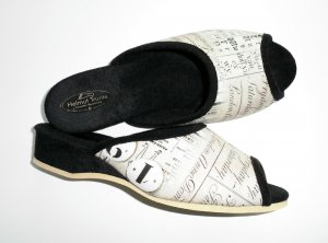 House Shoes black-natural white
