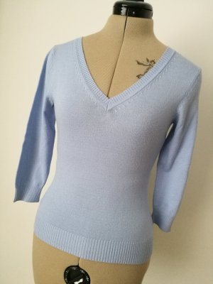 NEU Hellblauer Pullover mit V-Ausschnitt