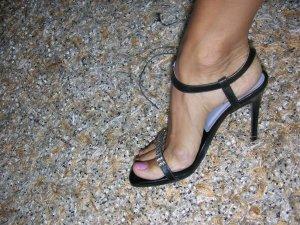 Neu! High Heels mit Kristall-Steinen von Buffalo London, Schwarz