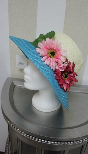 Hat white-blue
