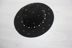 Hat black-white