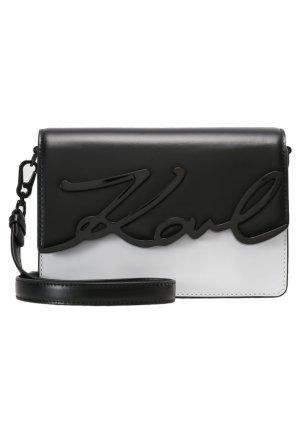 Karl Lagerfeld Bolsa de hombro negro-blanco Cuero