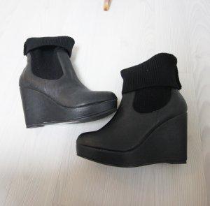 NEU Keilabsatz Boots Stiefeletten Socken Look Trend Heels