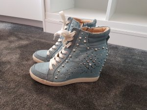 **NEU** Keilsneaker mit Nieten