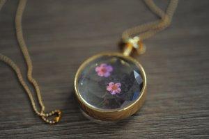 NEU Kette Medaillon mit Blume Modeschmuck gold
