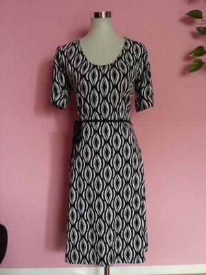 NEU Kleid mit Muster in schwarz/weiß (K1)