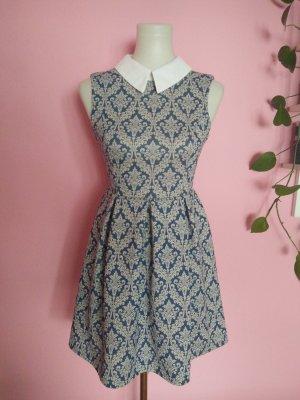 NEU, Kleid mit Muster und Kragen (Box 2)