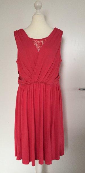 NEU - Kleid mit Spitze in Korall-Rot von Alba Moda (Sommer/Strand, Koll. 2016)