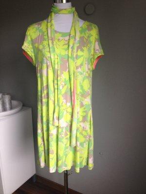 Neu ! Kleid von Marc Cain