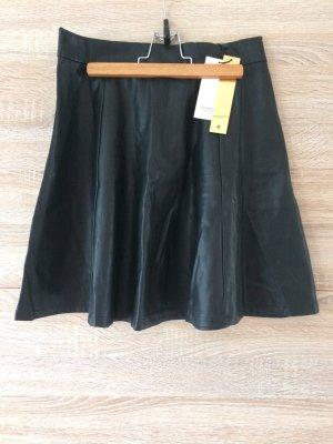 Stradivarius Jupe en cuir synthétique noir