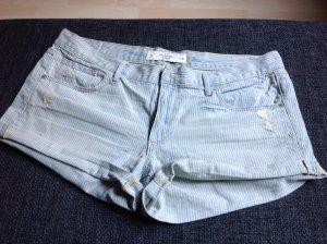 NEU!! Kurze Jeans von A&F