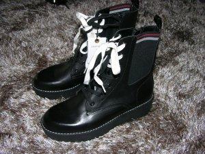 Neu! Leder Boots von Zara in Schwarz, Gr. 38, LP: 80€, modische dicke Sohle, mit Etikett