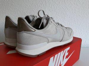NEU Leder Sneaker NIKE Internationalist PRM eur 39 us 8 Beige Grau Turnsohle