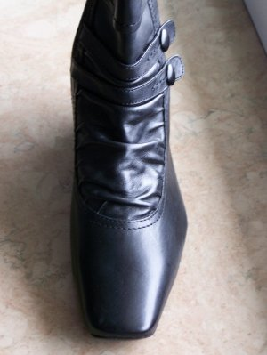 Caprice Winter Booties black leather