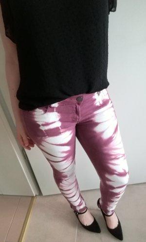 NEU Liebestraum Sommerjeans Batik lila weiß