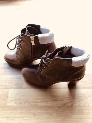 Neu Michael Kors booties