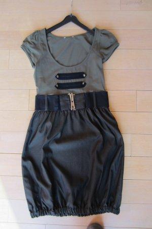NEU: MILITARY-STYLE BLEIBT ANGESAGT - tolles Shirtkleid mit Ballonrock
