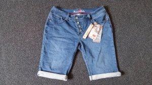 *NEU mit Etikett* kurze, mittelblaue Jeans