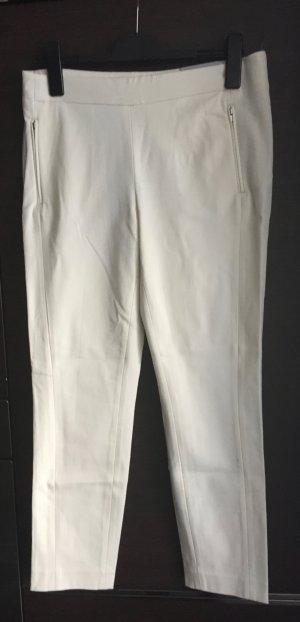 Neu mit Etikett: schmale Hose;  Jeans cremeweiß