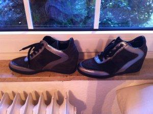 NEU mit Etikett , Sneaker mit integriertem Keilabsatz