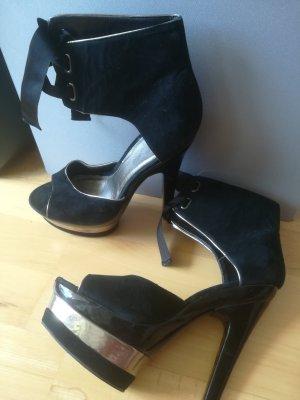 NEU MIT PREISSCHILD:Edle Wildleder Schuhe von CARVELA mit silberner Deko, Gr. 39
