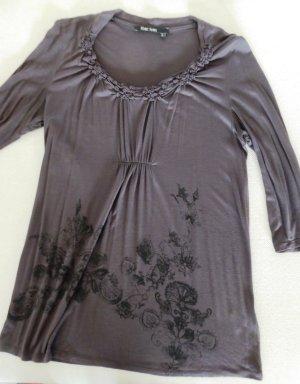 NEU | Modernes, feminines Shirt mit dezentem Blumen-Print & 3/4-Arm
