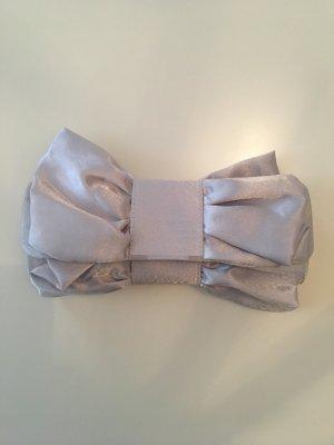 Neu nie getragen Clutch silber grau Satinlook