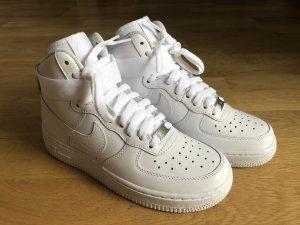 NEU Nike Air Force 1 mid 37,5