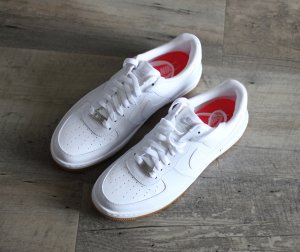 NEU Nike Air Force 1 Weiß Leder Gr. 41