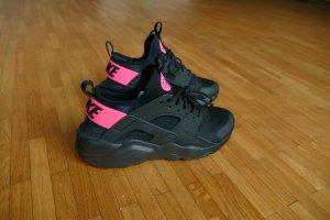 *NEU NIKE Air Huarache Run Ultra black pink #nike #huarache #trend