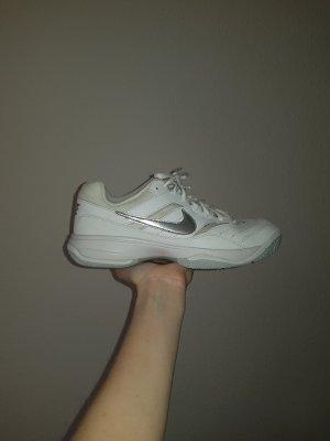 Nike Sneaker stringata bianco-argento