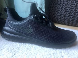 NEU! Nike Performance RENEW RIVAL - Gr. 37.5, schwarz